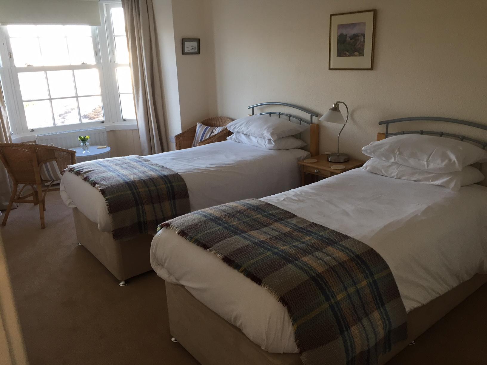 Upper Bedroom (Twin)